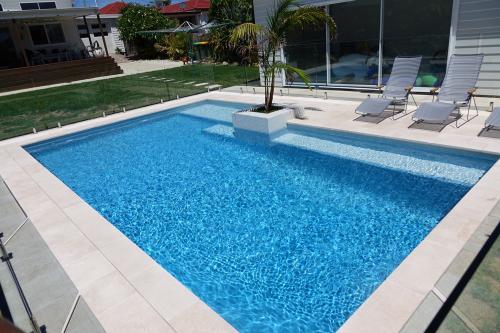 Aloha Blue pool